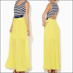 🆕 Charming Charlie | Open Back Pleated Maxi👗 EUC